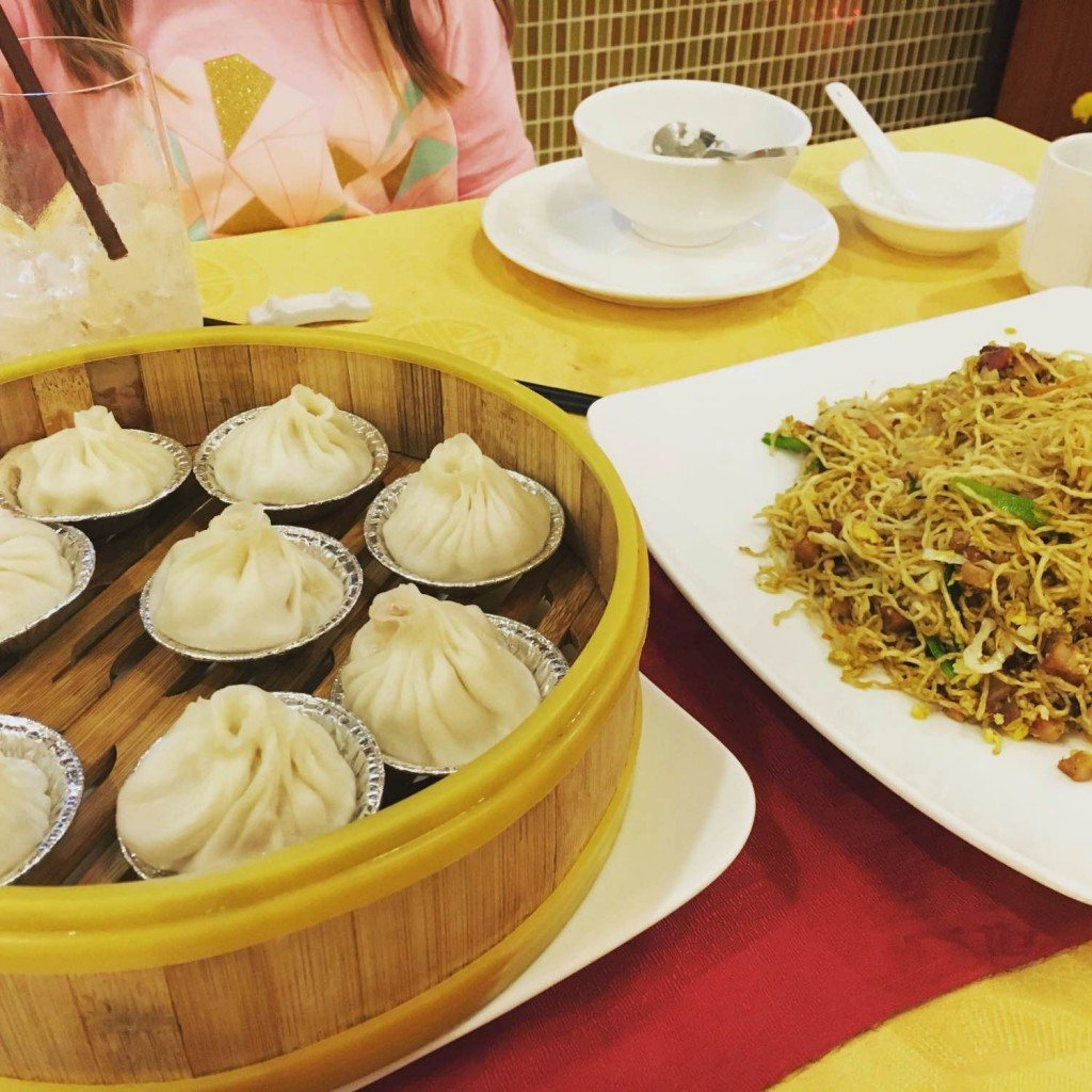Pork steam buns and Hong Kong noodles in Phnom Penh