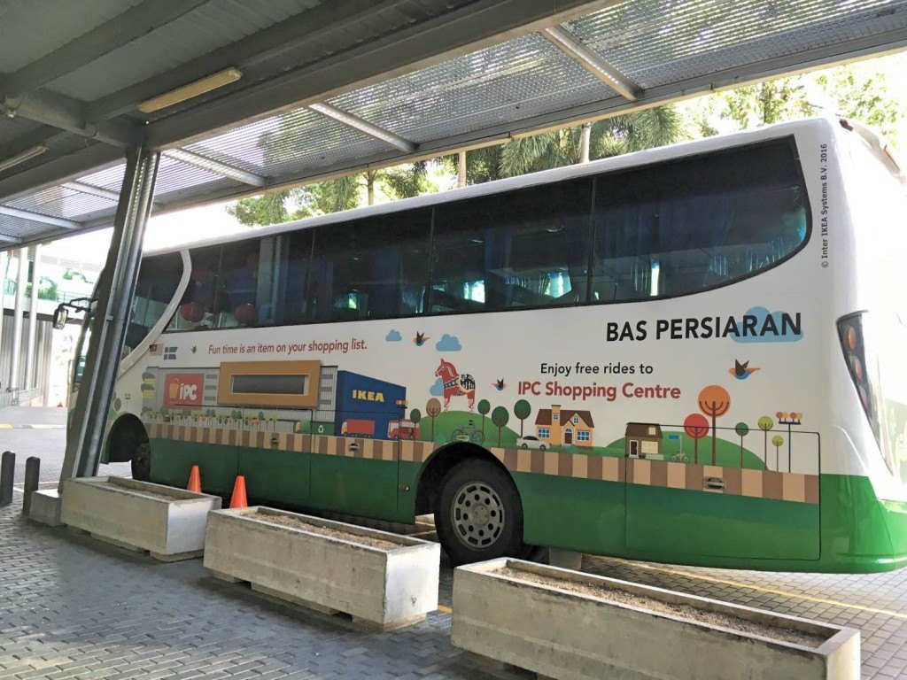 The free IPC shopping centre bus takes all the stress out of getting there in time for Kidzania Malaysia opening hours