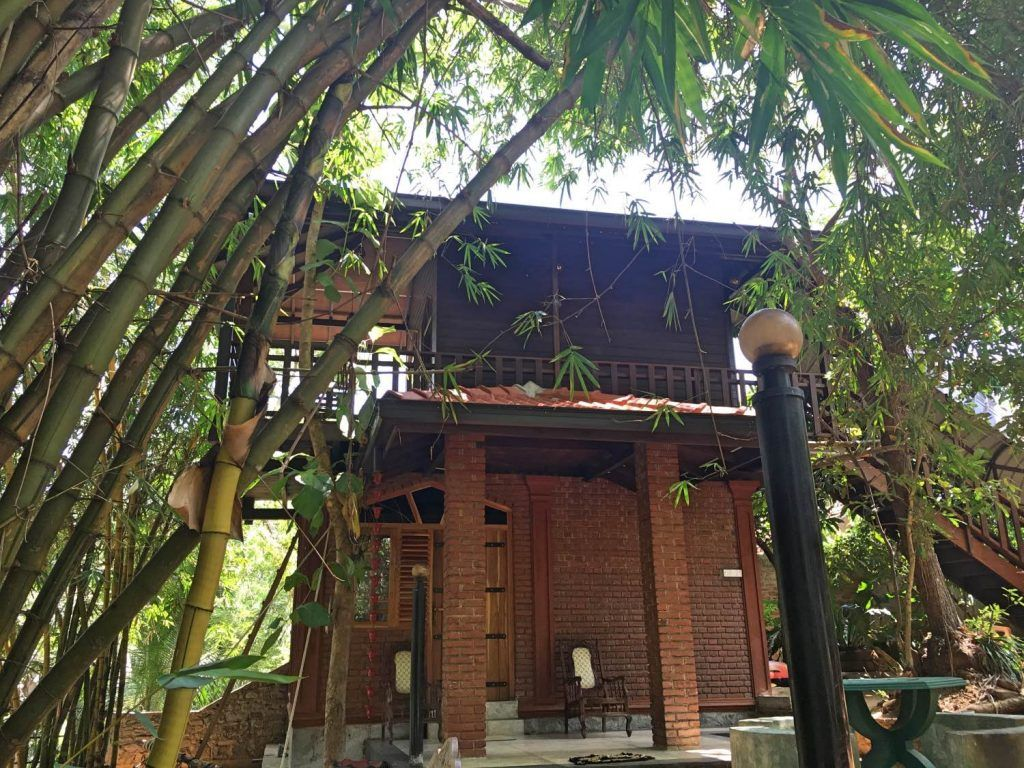 The cool treehouse at River Face Inn in Tissamaharama
