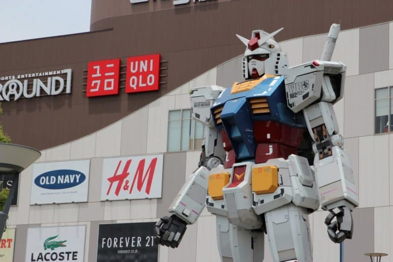 Gundam figure at Odaiba