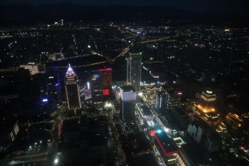 Watching Taipei's lights come on is perfect if you're looking for what to do at Taipei 101